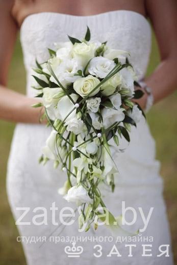 свадебный букет каскадный