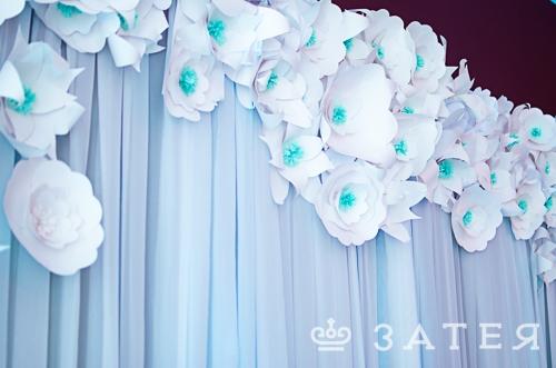 бумажные цветы в оформлении свадьбы