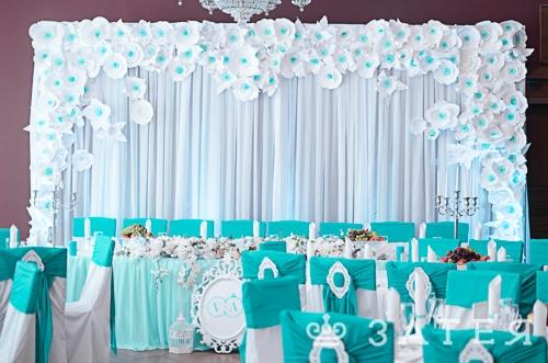 место молодоженов на свадьбе декор