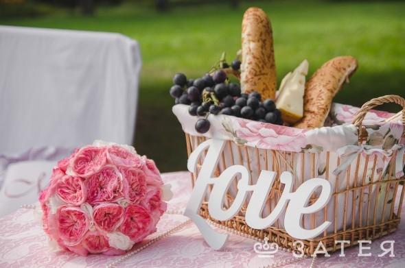 пионовидные розы в свадебном букете