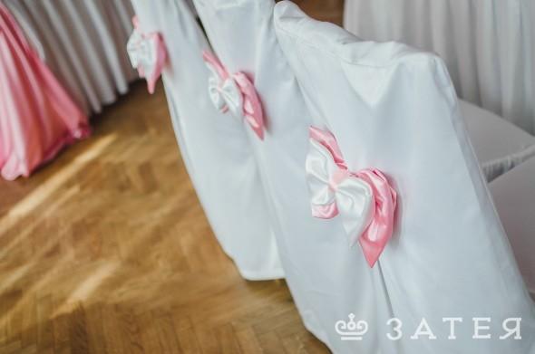 декор стульев на свадьбе