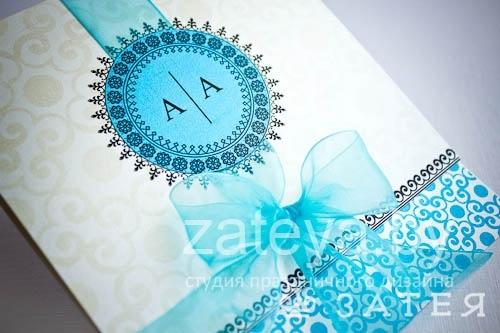ажурная эмблема на свадебных приглашениях