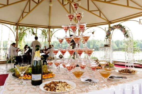 пирамида из шампанского заказать