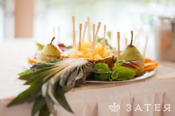красивый фуршет на свадьбе