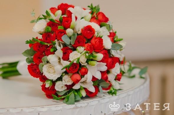 современная свадьба в красном цвете