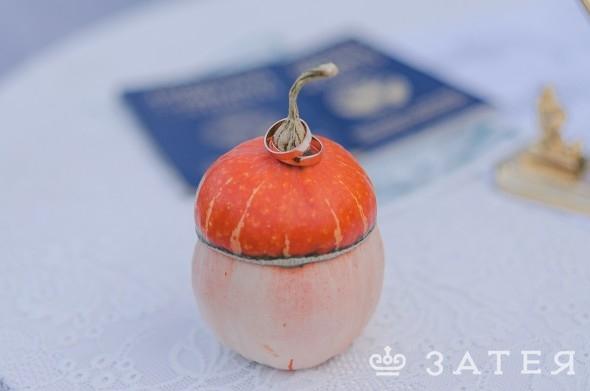 подушечка для колец на осенней свадьбе