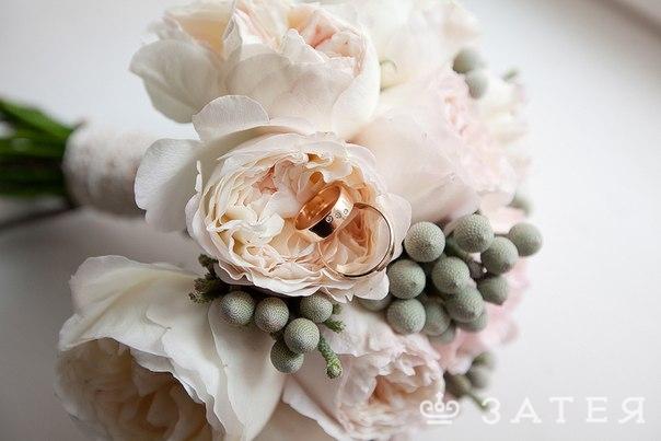розы дэвид остин в свадебном букете