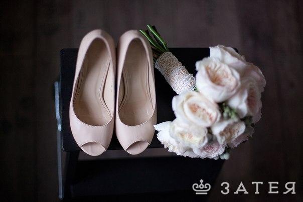 пионовидные розы в букете невесты заказать